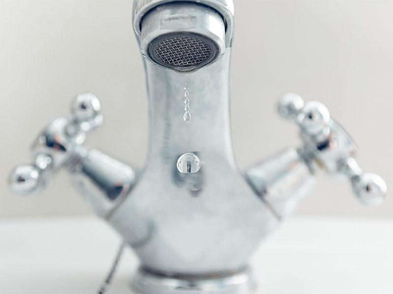 Badkamer Kopen Tips : Tips om je badkamer groter te laten lijken