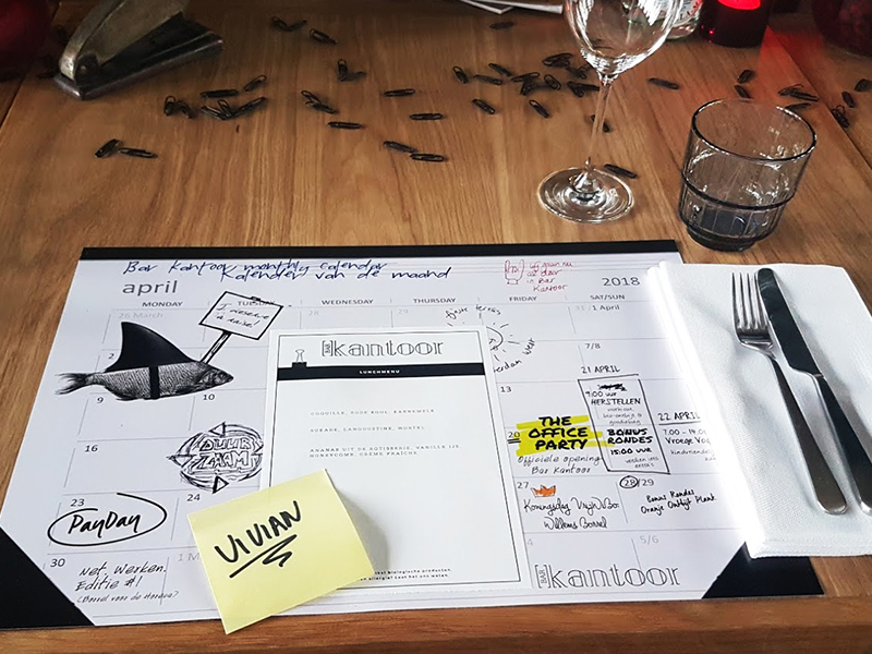 Hotspot overwerken bij bar kantoor the daily dutchy for Kantoor interieur